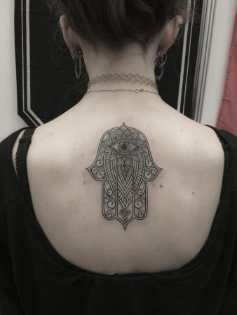 2016-hamsa-tattoo-1